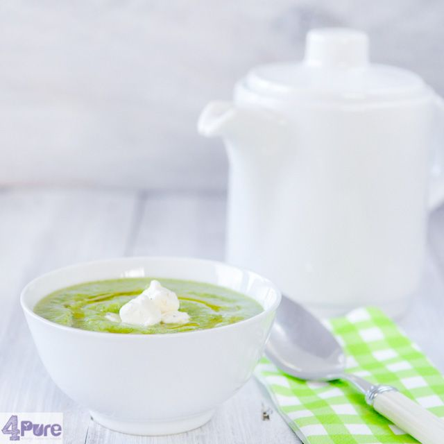 Little time and yet you want ahealthy quick meal. This recipe forbroccoli soup is a delicious vegetarian recipe that is delicious at dinner or luncheasy to prepareand within 30 minutes on the table.