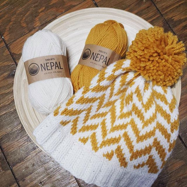 A quick and super cute gift knit idea! Big Herringbone Hat needs just two balls…