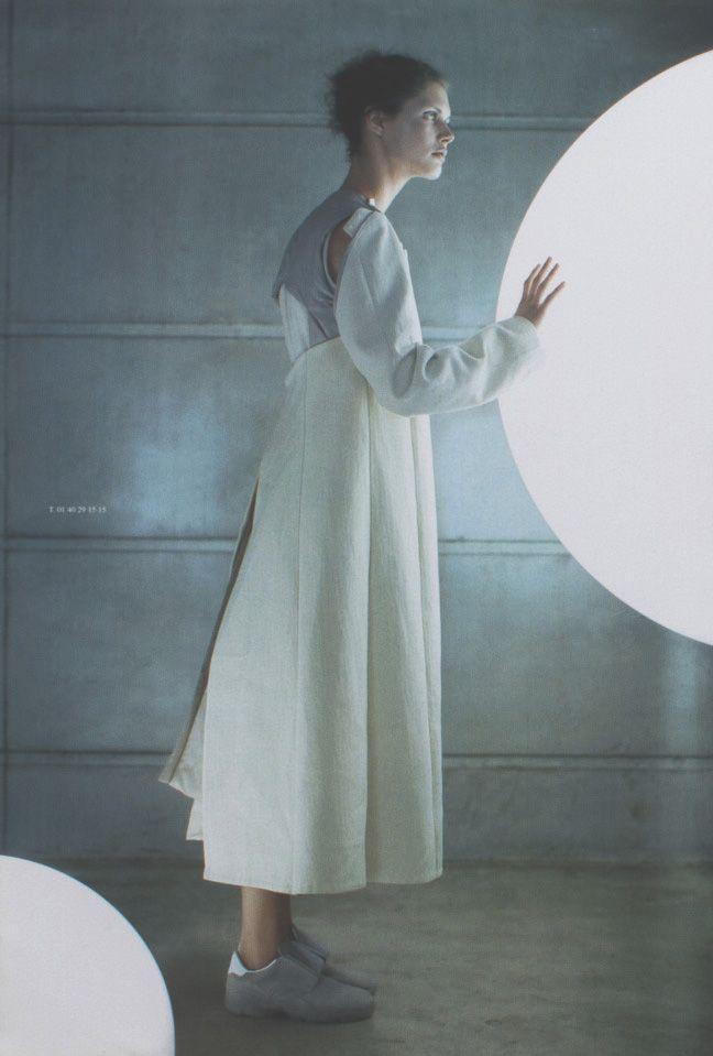 somethingvain:    atsuro tayama f/w 1999, malgosia bela in dutch magazine october 1999
