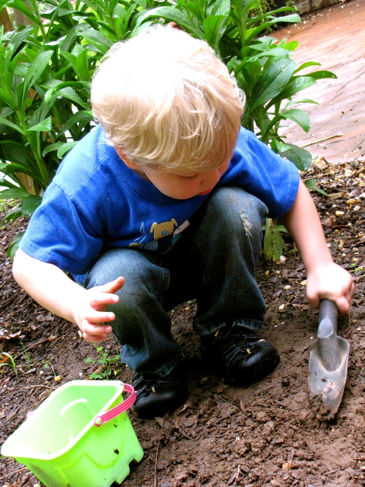 {Wiggly Worms = Quality Time With My 3 Year Old} #CampSunnyPatch