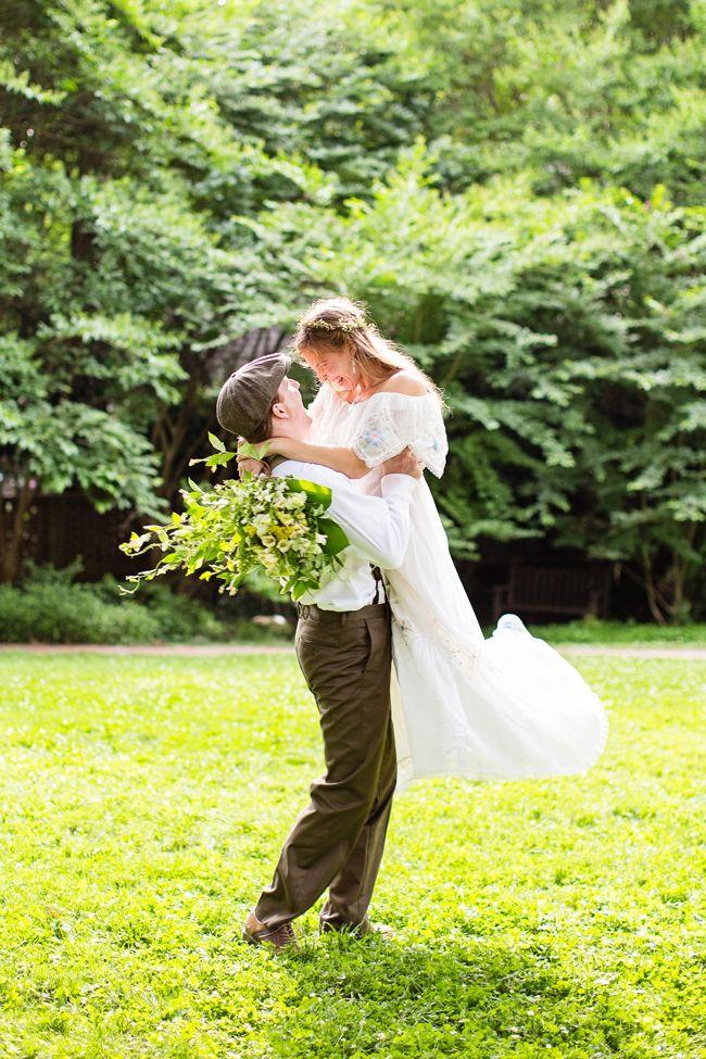 North Carolina Bohemian DIY Wedding - http://fabyoubliss.com/2014/08/22/north-carolina-bohemian-diy-wedding