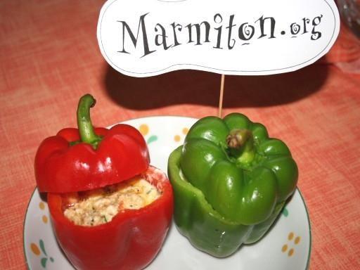 Poivron frit farci à la feta (Grèce) - Recette de cuisine Marmiton : une recette