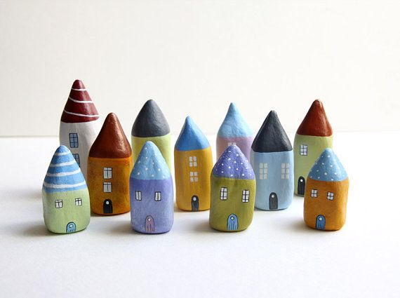 Mini casitas de arcilla / Mini clay village.- or if you find a pointy rock you could paint it to look like a house