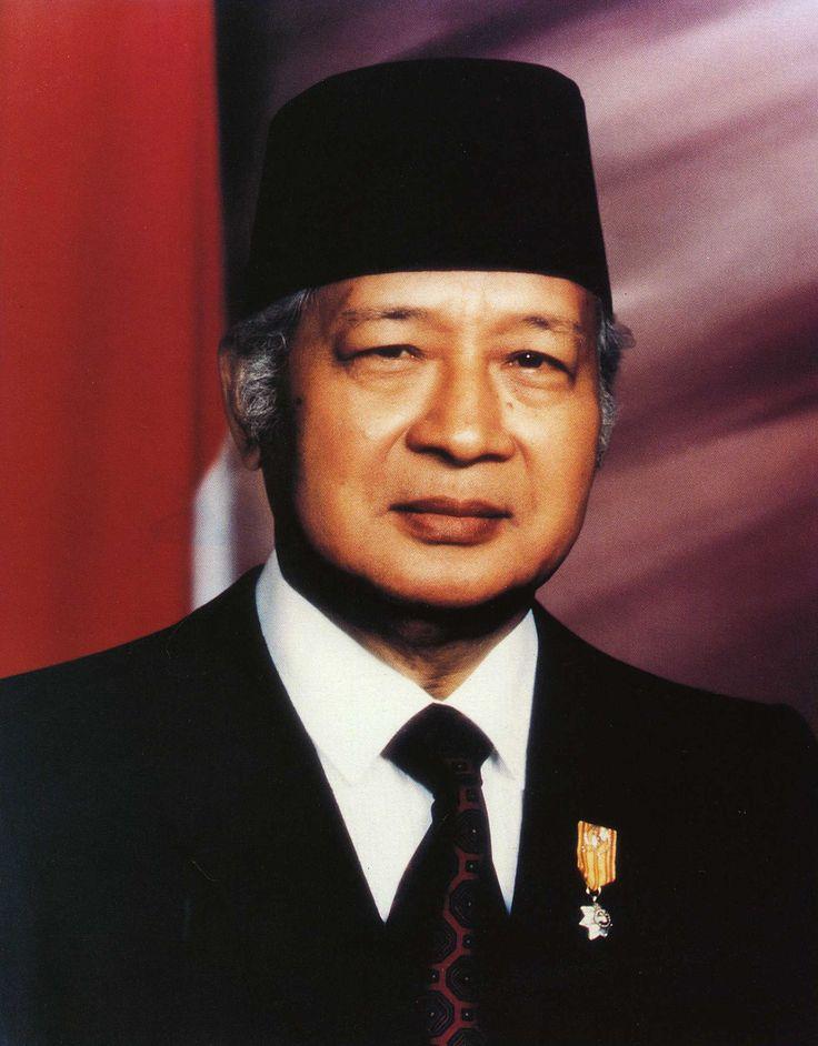 presiden 2: H.M.Soeharto [1966-1998]