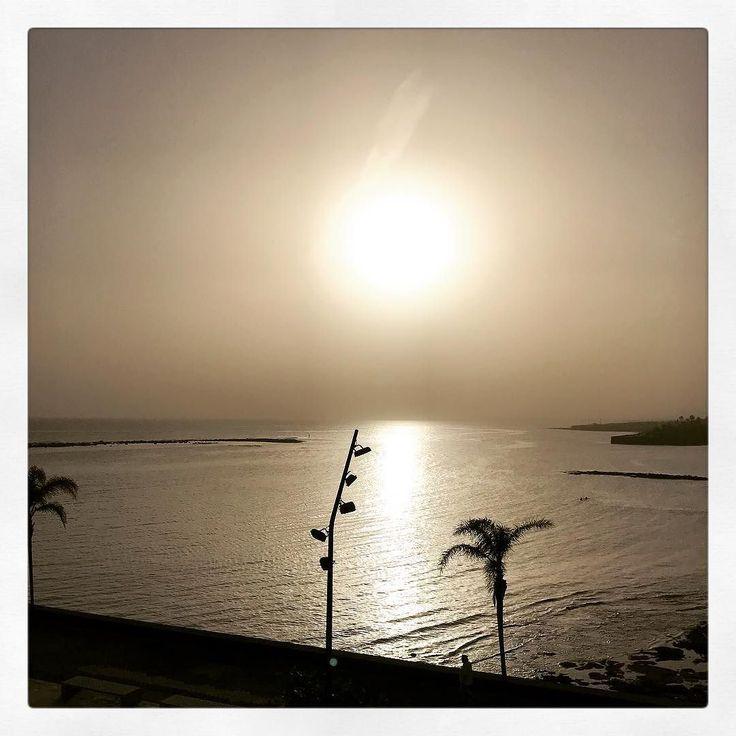 #biertje #zonsondergang #sunset #lanzarote #shotoniphone7plus #arrecife #arrecifegranhotel #granhotelarrecife #granhotelarrecifespa #chillin