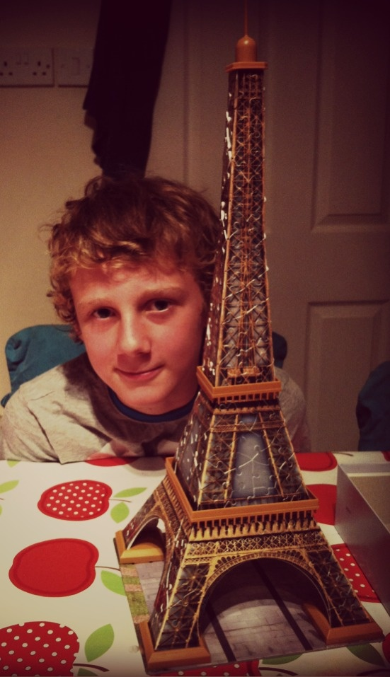 Mama OWL: Eiffel Tower 216 Piece 3D Puzzle Review