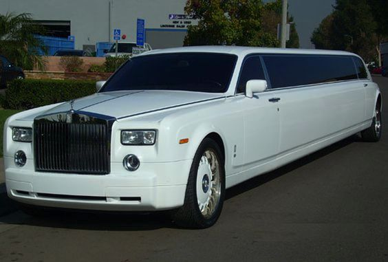 Rolls Royce Limo, Limousine Service in NJ, New Jersey Limos, www.daisylimo.com find a limo, book a limo, ride to airport, book a limo online