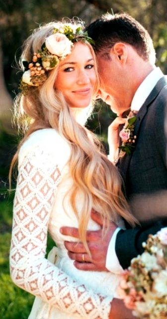 wedding hair with HALOCOUTURE 20 Inch Layered Extensions www.halocouture.com …