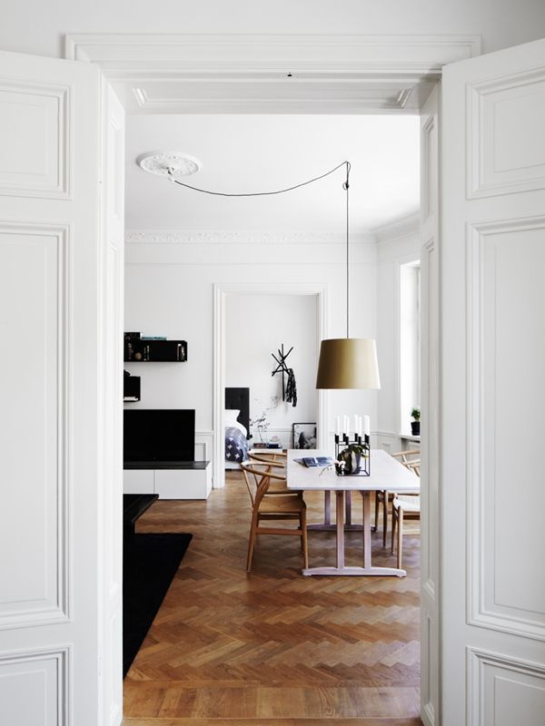 Hang light cord from power socket if no ceiling lights...STIL INSPIRATION