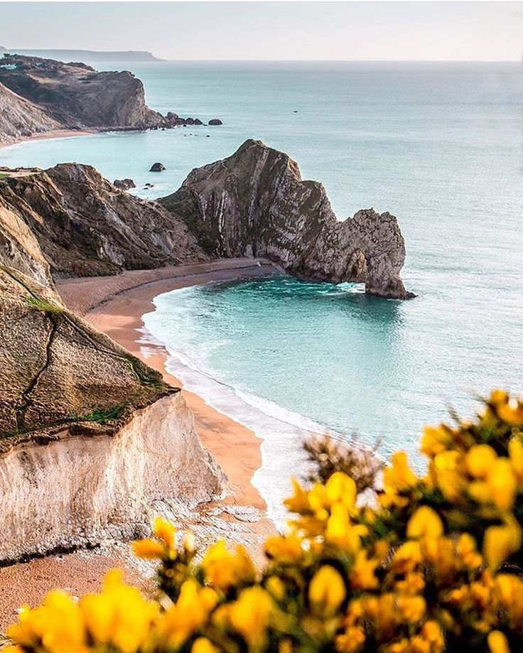 """2,137 Likes, 25 Comments - ⠀⠀⠀⠀Photos of England (@photos_of_england) on Instagram: """"Good night #DurdleDoor _______________________________ Photo by : @ben.clarke Selected by :…"""""""