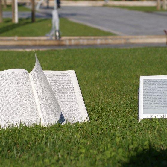 Melyik a zöldebb? Könyv és e-könyv-ovlasó