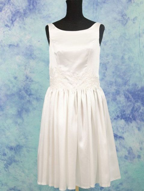 Abito da sposa corto,abito da sposa semplice,vintage inspirata,vestito per matrimonio in comune,abito in satin da sposa elegante,cerimonia di MAQUELLA su Etsy