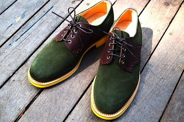 Green suede shoes: Saddles Shoes, Mark Mcnairi, Fashion Shoes, Footwear Collection, Fall Looks, Green Suede, Fall Winter, Boots, Contemporary Style