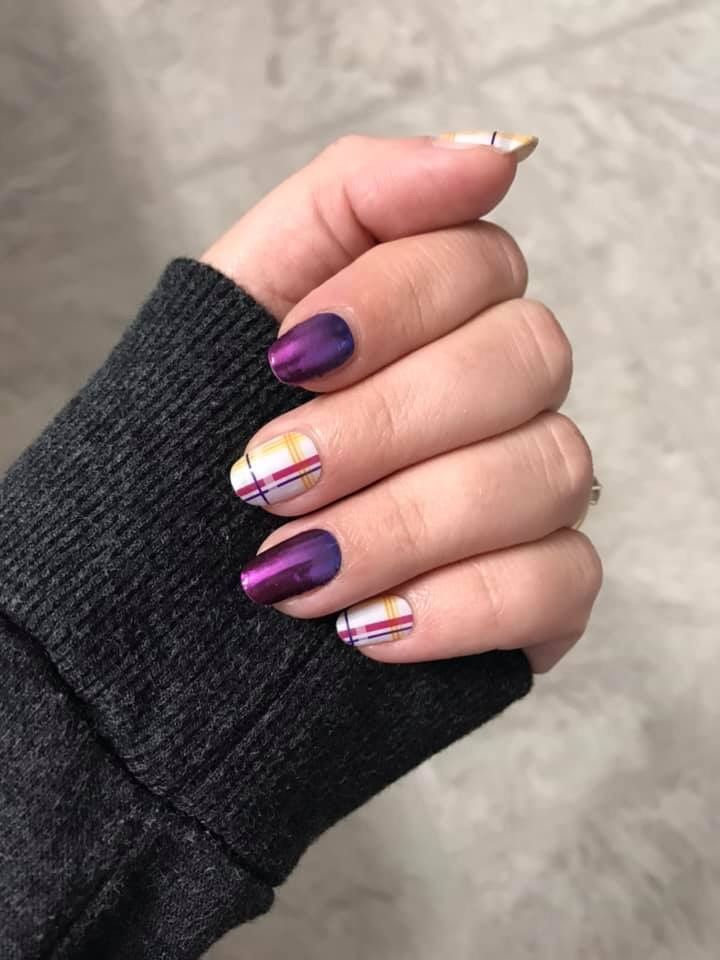 Garnet Glimmer Thriving Threads Easy Diy Nail Art Using Jamberry Wraps Easynailart Mani Nails Diynails Nailart
