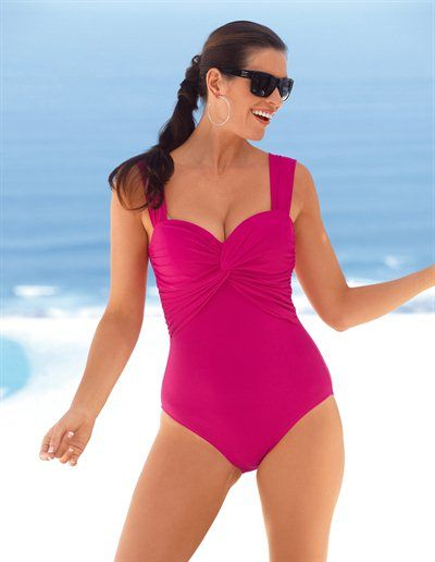 A very glamorous plus size swimsuit from Emilia Lay, love it!  ....but she doesn't look plus size!