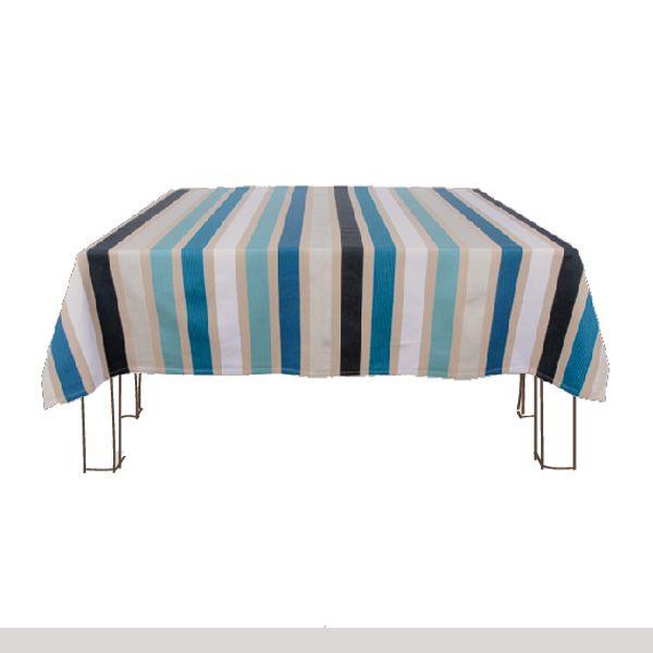 Nappes+Garlin+Bleu+Les+nappes+Garlin+sont+en+tissu+100%+coton+avec+fines+rayures+de+lurex+argenté.+ De+la+nappe+rectangulaire+à+la+nappe+ronde,+6+tailles+sont+disponibles. Habillez+votre+table+avec+les+nappes+Artiga. <a+href=mesure.php+style=color:red>Comment+bien+choisir+ses+mesures+?</a>