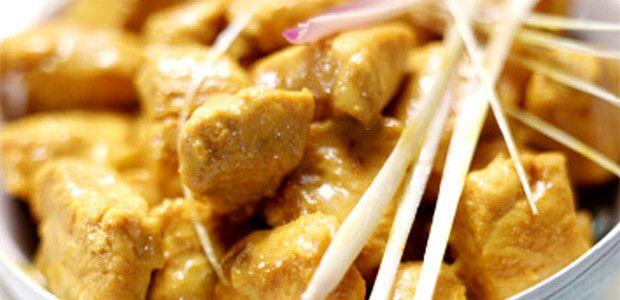 Pollo al curry, un piatto tipico della tradizione culinaria indiana.