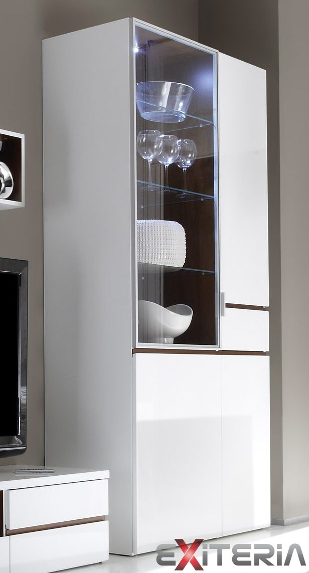 Presklená široká vitrína Cordelia s LED osvetlením Cordelia furniture - showcase with LED lights