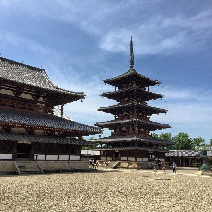 🇯🇵奈良法隆寺。世界遺産。  Horyuji temple in Nara. World heritage sites.  #nara #temple #worldheritage #horyuji #japanesetemple #japan #япония #ญี่ปุ่น #일본  #日本 #การเดินทาง #travel #viajeros #trip #japantrip #voyage #jalanjalan #japantravel #jepang #اليابان #旅游 #Ausflug #jalan2terus #путешествия #gezi #follow4follow #奈良 #法隆寺 #世界遺産 #寺