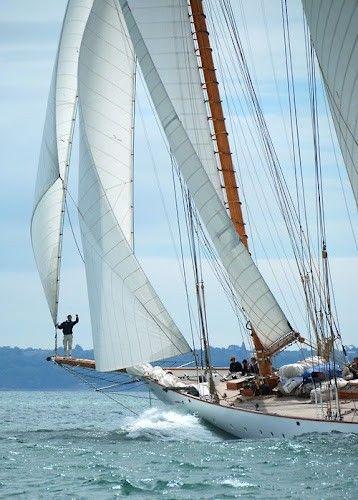 Sailing.traver not virtual.  A summer day.