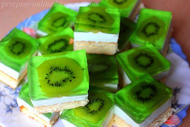 Przepisy Online: Ciasto biszkoptowe z pianką z bitej śmietany i kiwi w galaretce