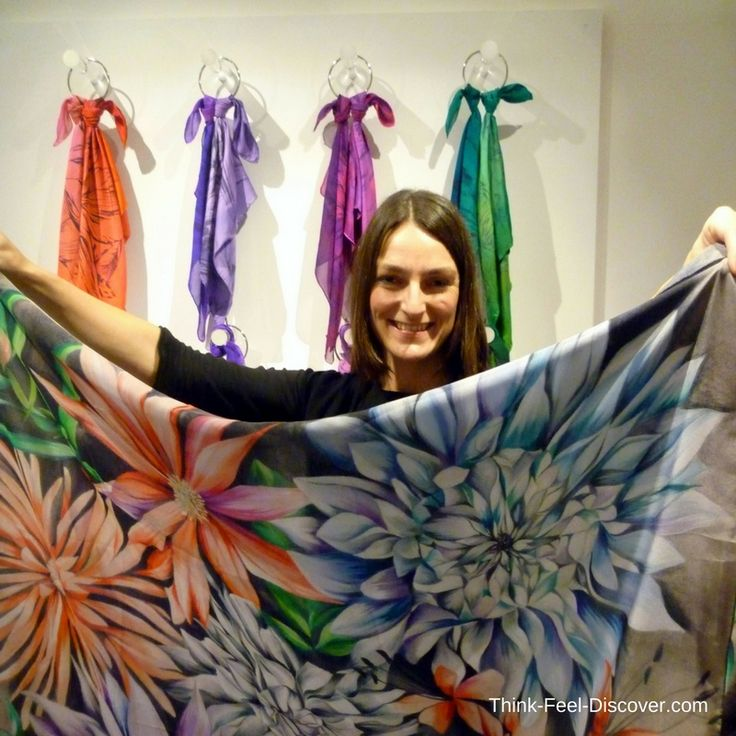 Leanne Claxton - DESIGNER SHOWROOMS (LFW) - FEBRUARY 2016 : How to wear YOUR Leanne Claxton Scarf! #pinterest #LFW #LeanneClaxton #bespoke #prints #fashion #fashionblogger #fashionista #designers #art