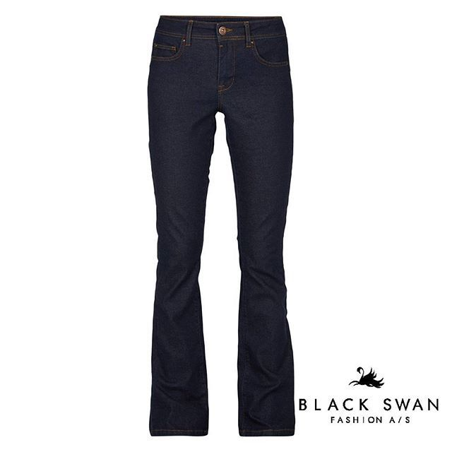 Bootcut er tilbage! // Boot cut is back #hoot #jeans #blackswanfashiondk #SS16