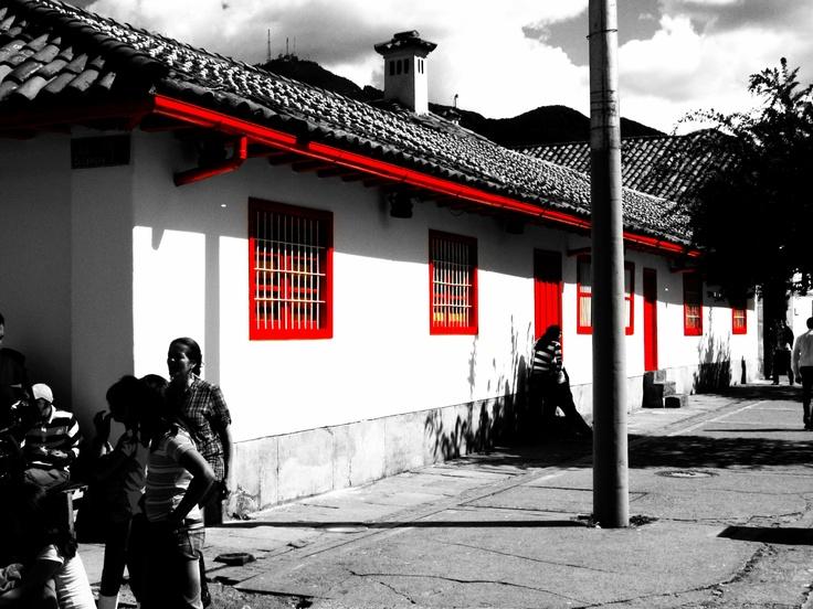 Bogotá, Colombia  Hacienda Santa Barbara mall    By: Juan Sebastián Farfán