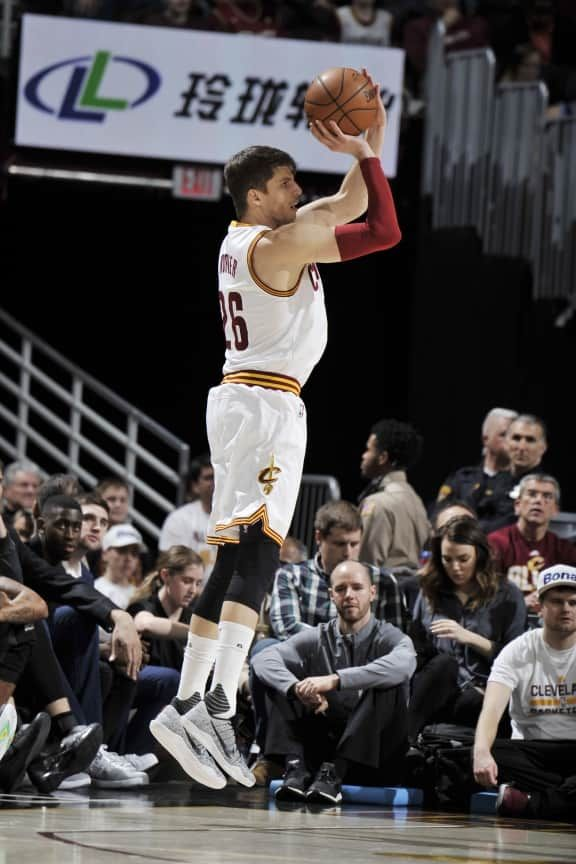 CLEVELAND, OH - JANUARY 27: Kyle Korver #26 of the Cleveland Cavaliers shoots the ball against the Brooklyn Nets on January 27, 2017 at Quicken Loans Arena in Cleveland, Ohio.