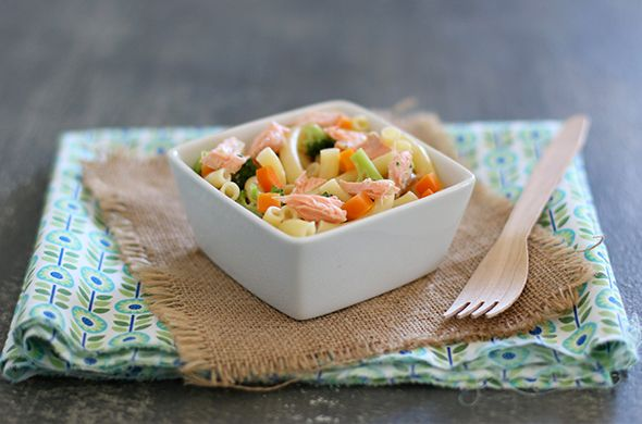 Pâtes au saumon, lait de coco et petits légumes. Une recette qui ravira petits et grands ! #Recette #Nutribaby