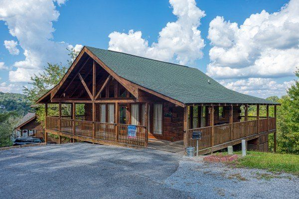 Bear Country Luxury 3 Bedroom Pigeon Forge Cabin Rental Pigeon Forge Cabin Rentals Cabin Rentals Pigeon Forge Cabins