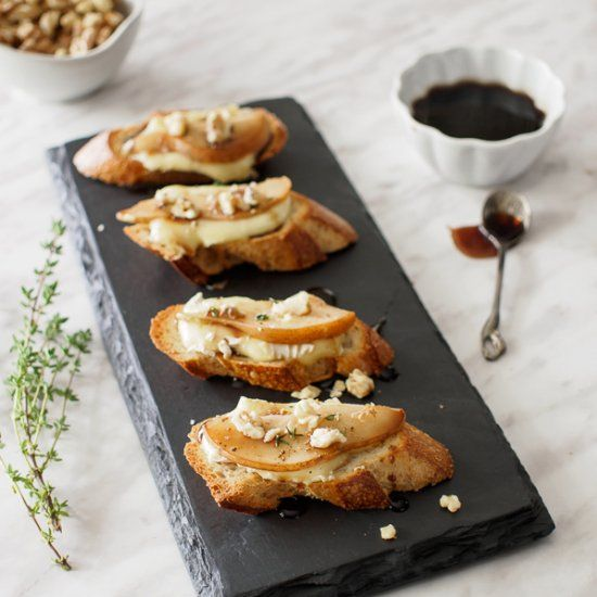 Pear and Brie Crostini. A simple and elegant appetizer for your next get together. Natural materials, rough and elegant textures.