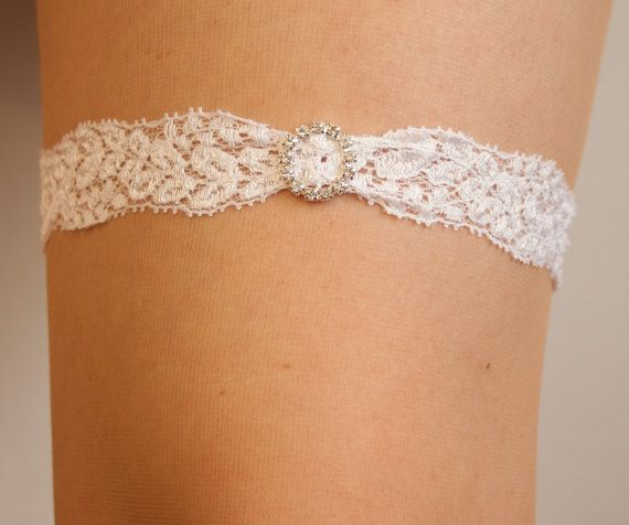 White wedding garter in lace with a crystal embellishment.. Bridal garter, country wedding garter. simple wedding garter,lace garter