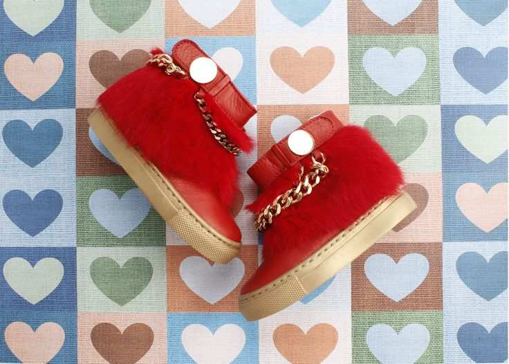 When #details is matter of choice. #FloreneLePiccole #ankleboots #red #gold #fur #stylish #outfit #kids #girls