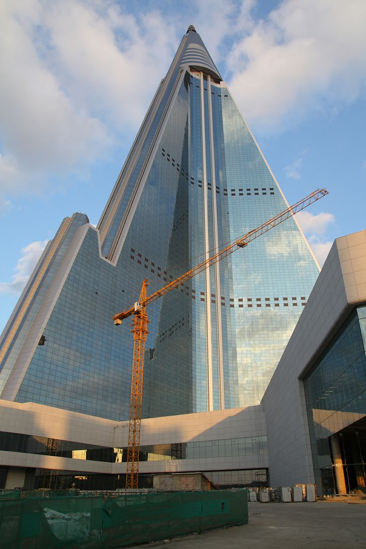 Ryugyong hotel north korea architecture building for Design hotel korea