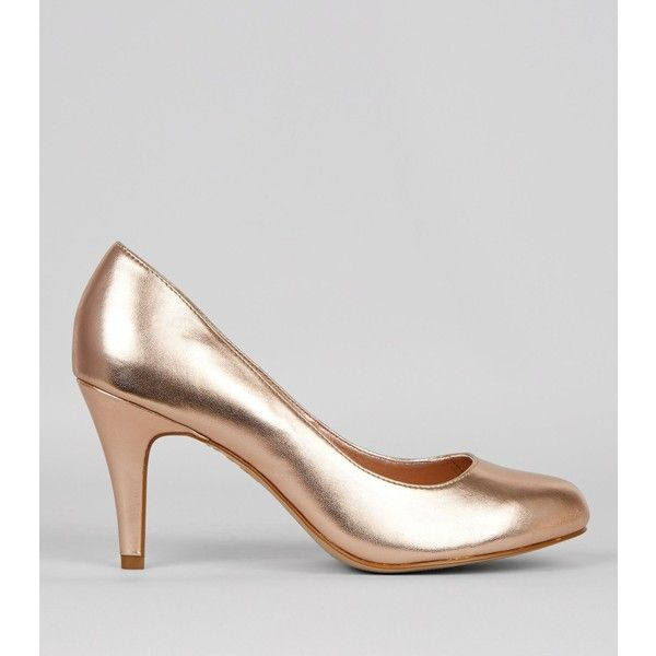 New Look Wide Fit Rose Gold Court Shoes ($22) ❤ liked on Polyvore featuring shoes, pumps, gunmetal, wide width shoes, wide width high heel pumps, high heel pumps, rose gold pumps and wide width high heel shoes