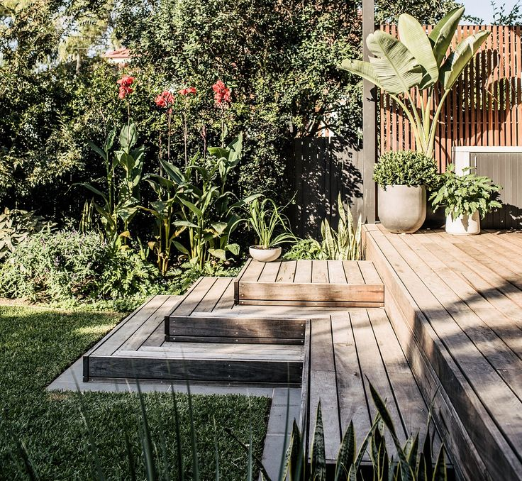Spotted Gum Deck - https://www.harrisonslandscaping.com.au/freshwater-garden