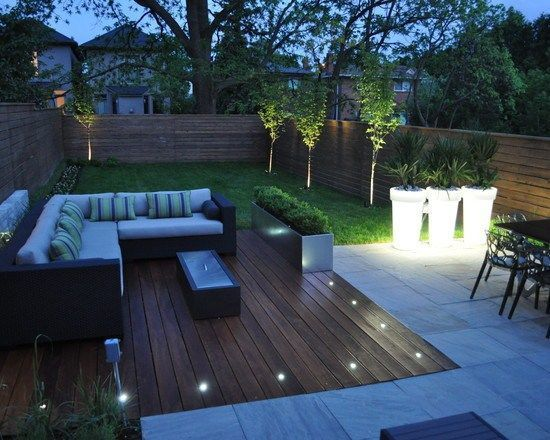 Aménagement terrasse en bois spots au sol coin salon