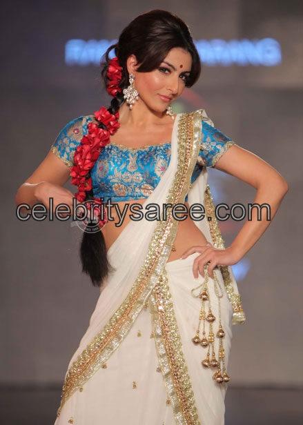 Soha Ali in Banaras Blouse   Saree Blouse Patterns