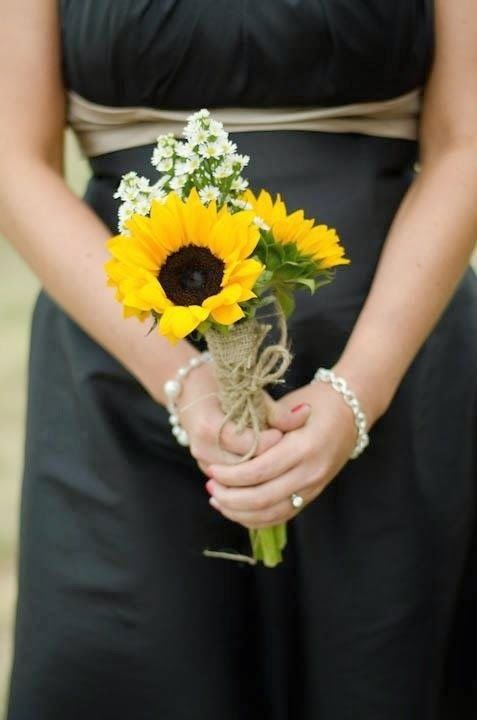 Sunflower Wedding Bouquets | http://simpleweddingstuff.blogspot.com/2014/04/sunflower-wedding-bouquets.html
