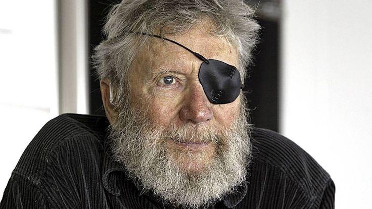 Muere Jack O'Neill, la leyenda del surf que inventó el traje de neopreno  El creador de la marca O'Neill y uno de los pioneros de este deporte fallece a los 94 años en su casa frente al mar de California