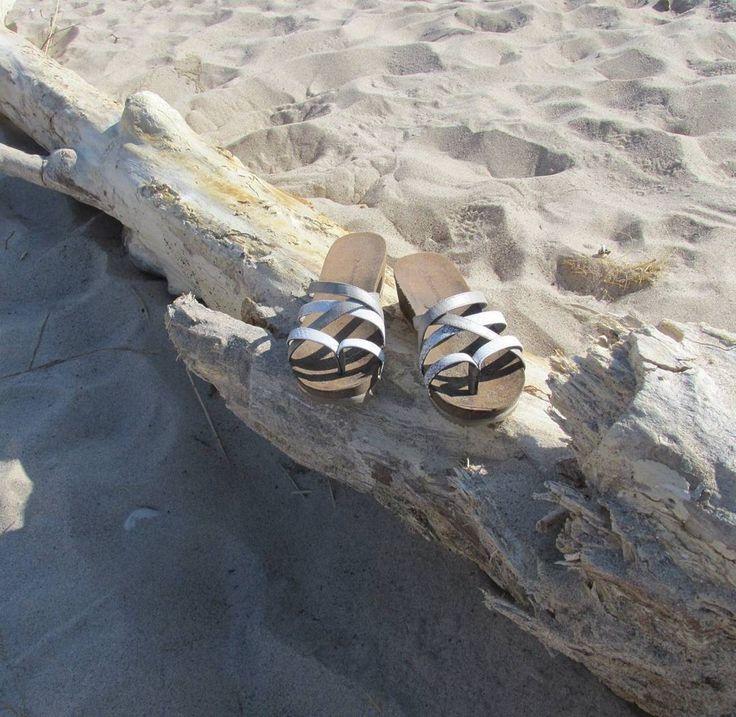 #athena #loves to feel the #sand between her toes at the #beach.  #Bearpaw #bearpawstyle #sun #summer #waves #ocean #sea #sky #water #surf #bearpaweurope #bearpawlatam #bearpawmongolia #bearpaw_kr