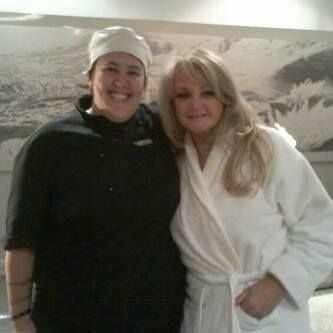 Here is a lovely picture of Bonnie Tyler which was taken in South Africa at the Bay Hotel. https://www.facebook.com/thebayhotel (Thanks to the facebook page Bonnie Tyler ღღ https://www.facebook.com/pages/Bonnie-Tyler-%E1%83%A6%E1%83%A6/147102012099061 )