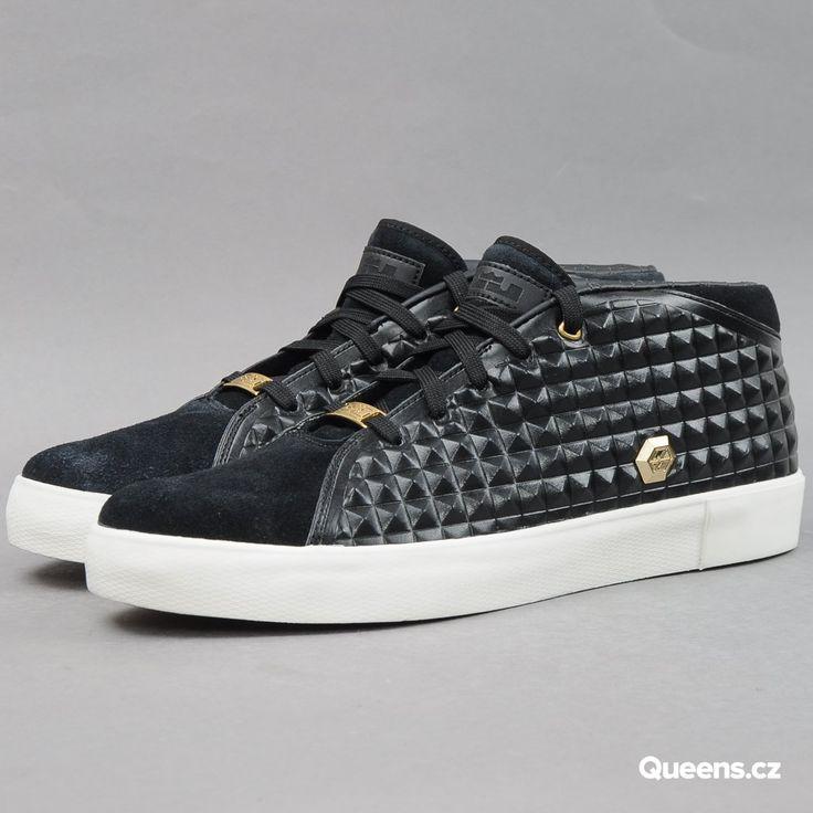 Nike Lebron XIII Lifestyle black / metallic gold - sail za 3 000 Kč: Kotníkové pánské tenisky od značky Nike spojmenováním Lebron XIII Lifestyle včerném provedení. – 819859–001