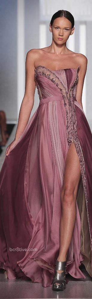 Tony Ward Haute Couture Fall Winter 2013 - this looks like something Halle Berry would wear and look disgustingly good in it...