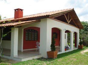 Ideas para la finca: casa de un solo piso con una terraza cubierta increible (de Evagianny Contreras)