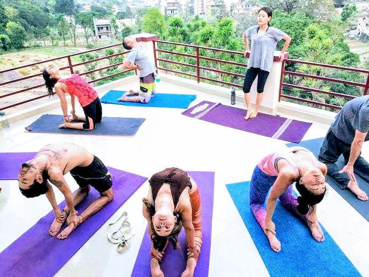 Ustrasana-pose-vinyasa-yoga   Bikram yoga, Yoga techniques ...