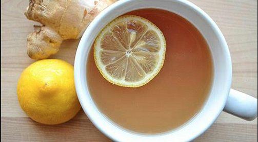 Bevanda+curcuma+e+limone+per+bruciare+calorie+e+aiutare+le+digestione