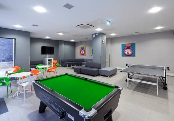 Student accommodation in London | A blog article full of tips for students living and studying in London from @Patrick Carder For Students  #london #student #flats