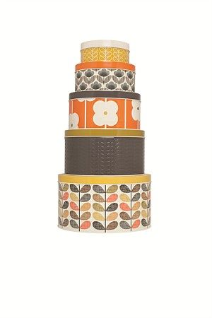 Gorgeous Orla Kiely kitchen tins, suitable for any contemporary or retro decor! It's sure to keep your baking nice and fresh.